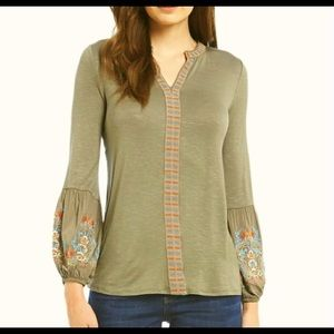 Size M Democracy Boho Tunic Top In like-new condtn